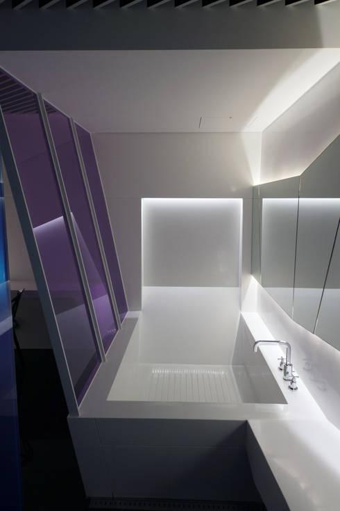 Baños de estilo  por Seungmo Lim