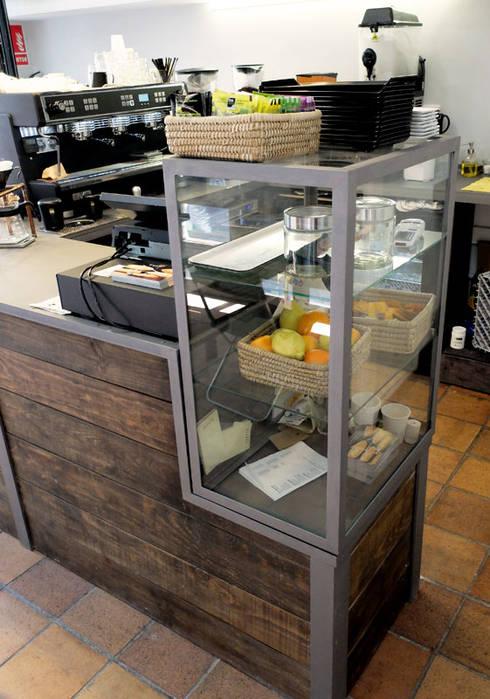 Mobiliario cafeter a de ping homify for Mobiliario para cafes