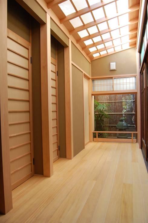 古民家再生 京町家保存: 株式会社BAUS工藝社が手掛けた壁です。