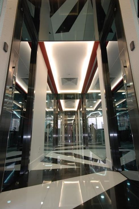 General Corridor:  Offices & stores by Oui3 International Limited