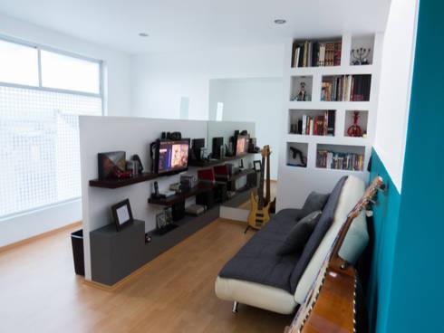 Sala de Juegos Atico ST.: Salas multimedia de estilo moderno por Efrain Monroy - Estudio: MNY Arquitectura y Construcción