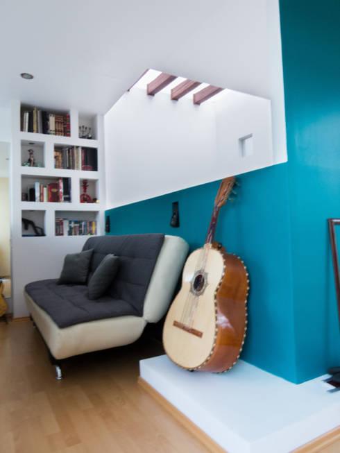 Foto actual: Salas multimedia de estilo moderno por Efrain Monroy - Estudio: MNY Arquitectura y Construcción