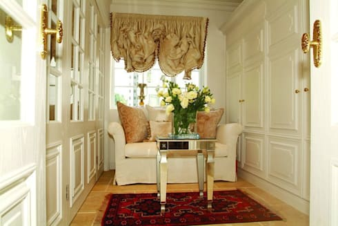 Sitting Room: colonial Houses by Oui3 International Limited