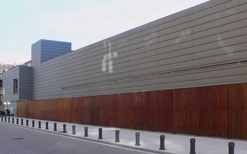 Centro de Salud San Juan. Pamplona:  de estilo  de alzugaray estudio