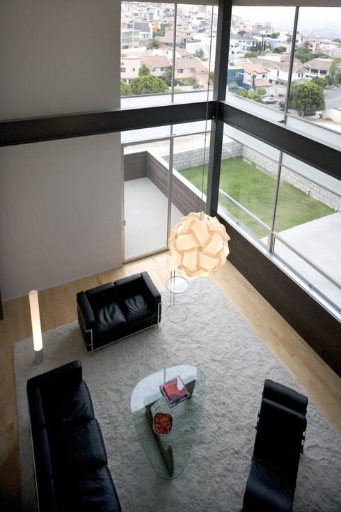 Casa Gracia: Salas de estilo  por Gracia Studio