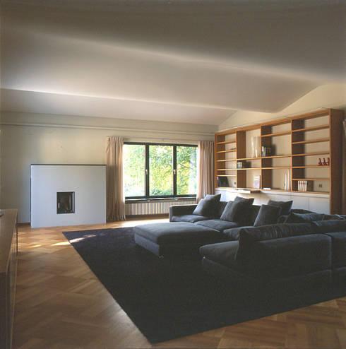 Wohnzimmer: moderne Wohnzimmer von tredup Design.Interiors