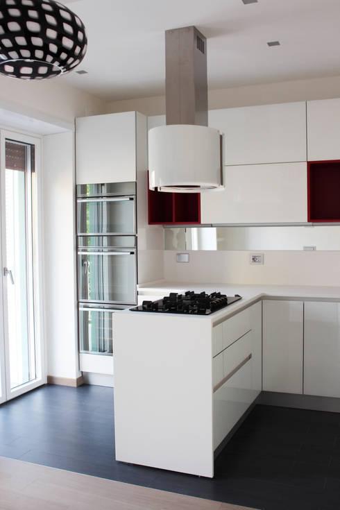 Cocinas de estilo moderno de Architetto Alessia Bruno