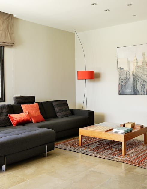 SALON: Salones de estilo moderno de Otto Medem Arquitectura S.L