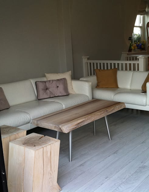 Living Projects:  Living room by Welchome London