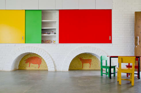 The partition wall:  Nursery/kid's room by M+P