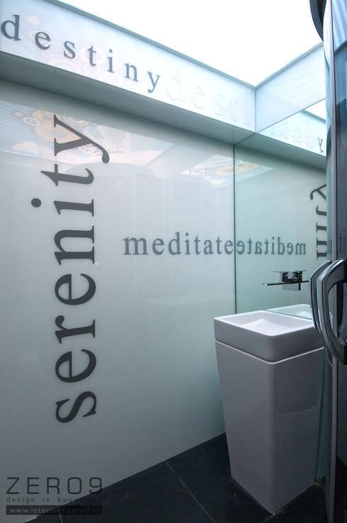 glass bathroom: modern Bathroom by ZERO9