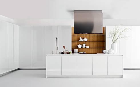 Cocina con puertas escamoteables de margestudio homify for Cocinas por modulos