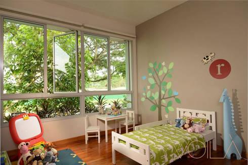 Bedok Ria Crescent Town House: modern Nursery/kid's room by VOILÀ Pte Ltd