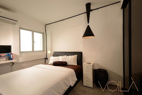 Lorong Lew Lian: industrial Bedroom by VOILÀ Pte Ltd