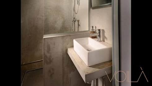 Lorong Lew Lian: industrial Bathroom by VOILÀ Pte Ltd