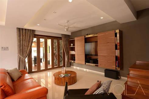 Tagore Avenue: modern Living room by VOILÀ Pte Ltd