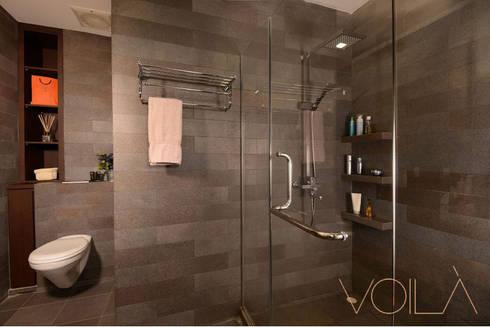 Tagore Avenue: modern Bathroom by VOILÀ Pte Ltd