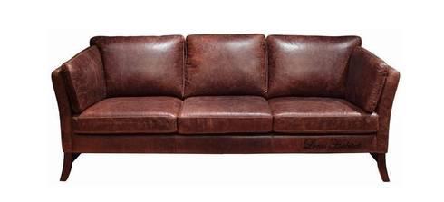 Rustic Earth Sofa: modern Living room by Locus Habitat