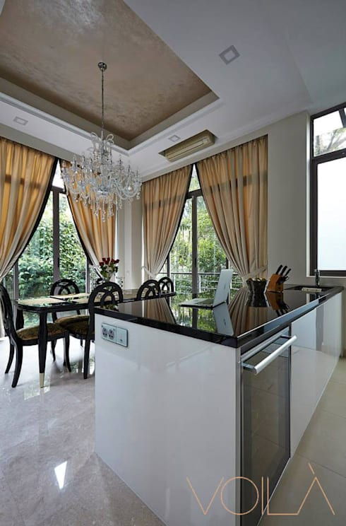 Chancery Lane: modern Dining room by VOILÀ Pte Ltd