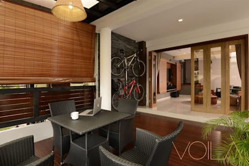 Tagore Avenue: modern Dining room by VOILÀ Pte Ltd