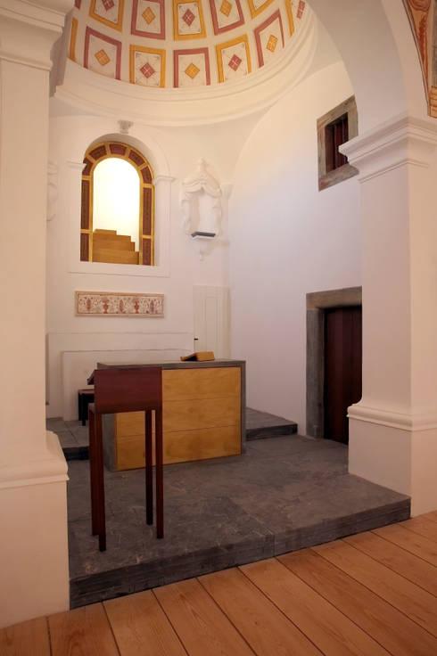IGREJA DE NOSSA SENHORA DA LUZ (Reconstrução) (2003):   por pedro pacheco arquitectos