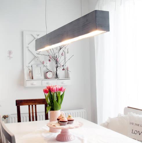 The Shabby White: moderne Wohnzimmer von Lignalux