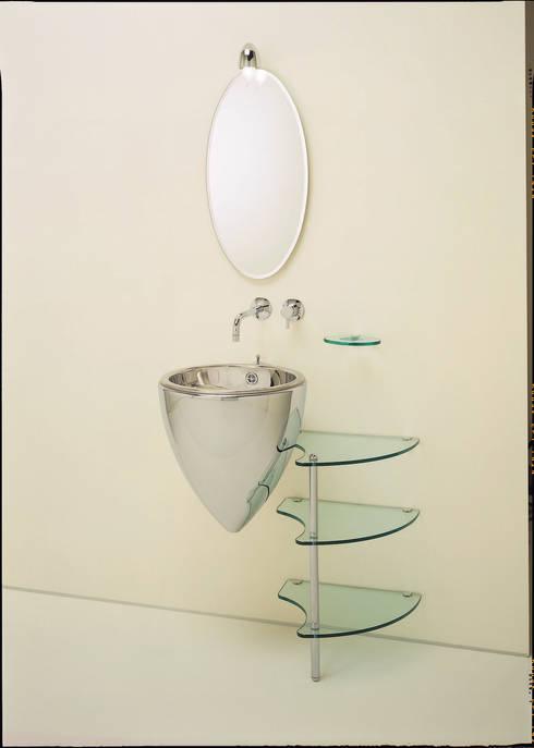 TIMPANO: Salle de bain de style  par L'Atelier 1 point 1
