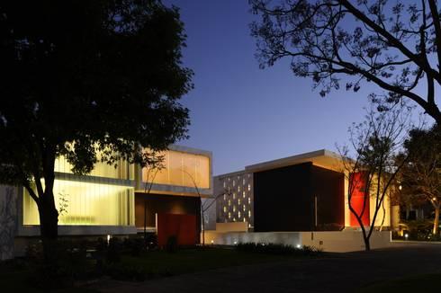 ML HOUSE: Casas de estilo moderno por NAME Arquitectos