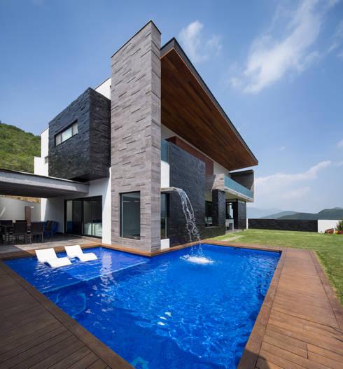 Casas modernas por URBN