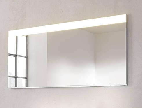 KEUCO MIRROR CABINET - EDITION 400: Baños de estilo  por Centro de Diseño Alemán