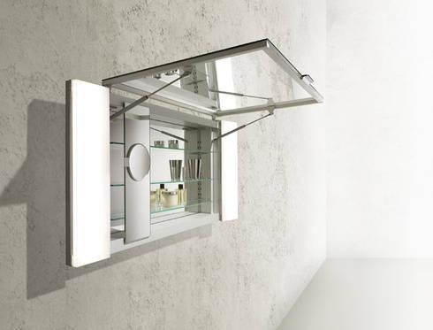 KEUCO MIRROR CABINET : Baños de estilo  por Centro de Diseño Alemán