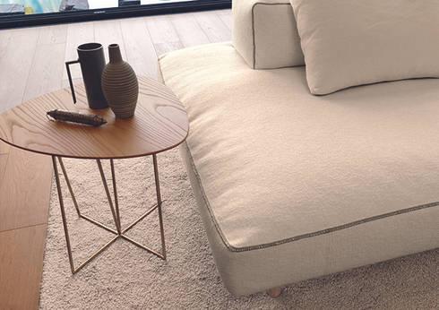 DABLIU COFFEE TABLE: Setsu & Shinobu Itoが手掛けたリビングルームです。
