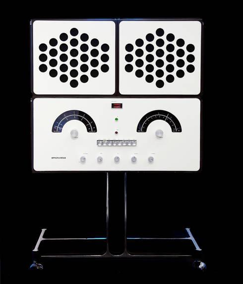 BRIONVEGA - Fonografo BLANC: Salon de style de style eclectique par Elite Diffusion
