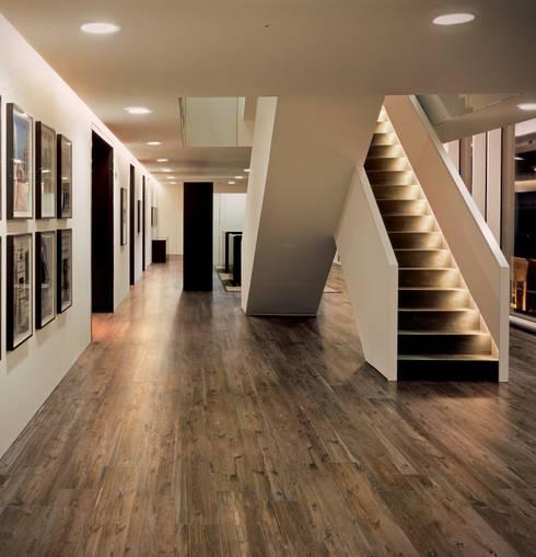 Pareti & Pavimenti in stile In stile Country di Ceramiche Refin S.p.A