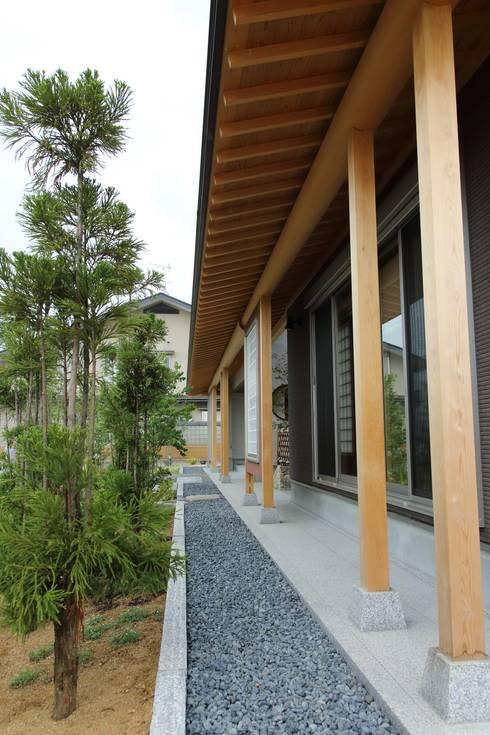 もてなしの家・和のエスプリを継ぐ家: やまぐち建築設計室が手掛けた家です。
