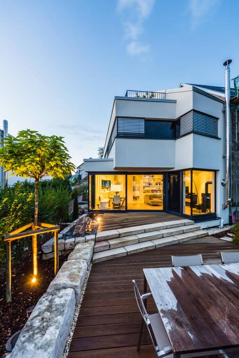 Aufgefächert - Einfamilienwohnhaus in Weinheim:  Häuser von Helwig Haus und Raum Planungs GmbH
