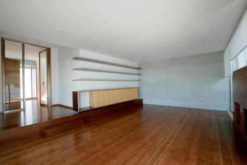 Casa GC: Casas modernas por Atelier Lopes da Costa