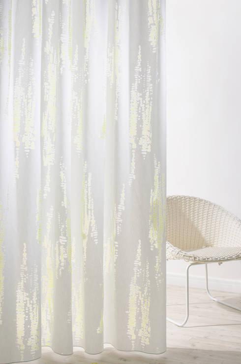Pool 7083-39: moderne Wohnzimmer von Indes Fuggerhaus Textil GmbH