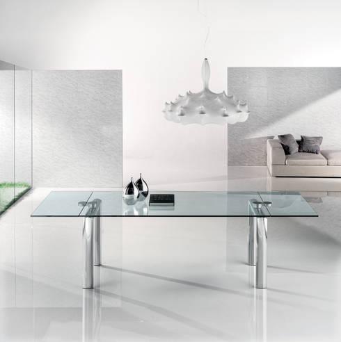 POLICLETO Q: Sala da pranzo in stile in stile Eclettico di Reflex