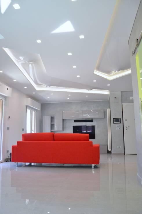 Forme con la luce: Soggiorno in stile in stile Moderno di Archea Project Studio
