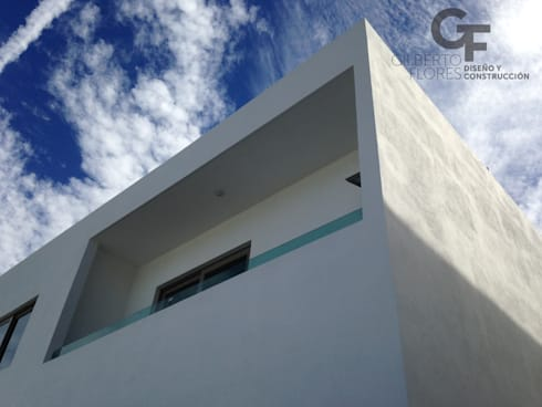 CAROLCO 1: Terrazas de estilo  por GF ARQUITECTOS