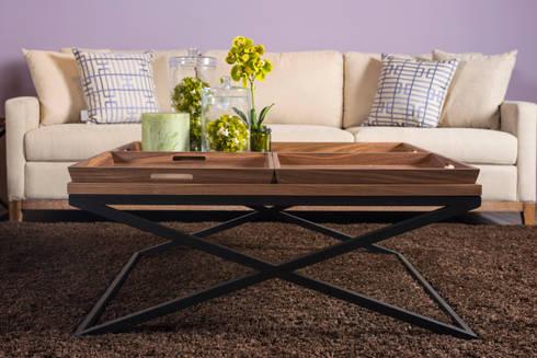 Sofá Protos y mesa de centro Emily: Salas de estilo ecléctico por mobica