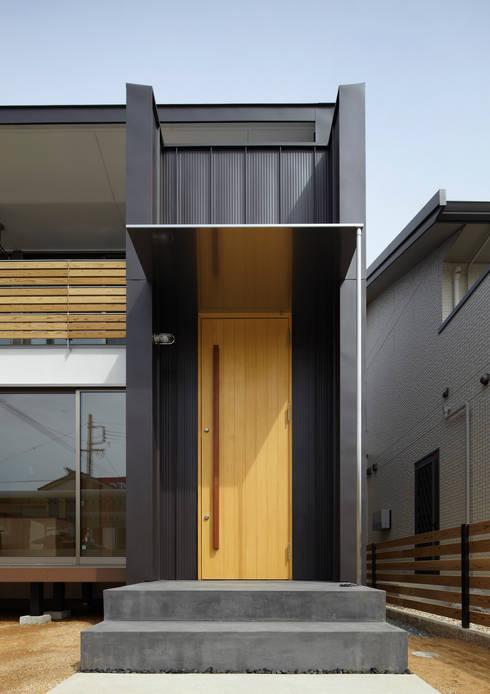 エントランス: Osamu Sano Architect & associatesが手掛けた家です。