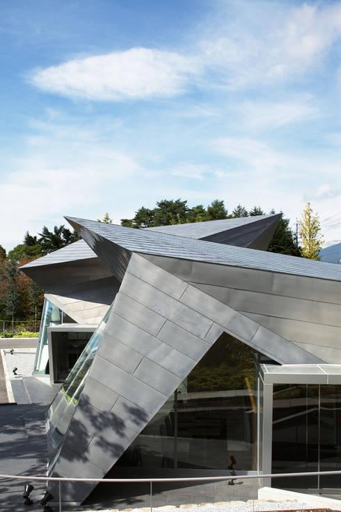 折版外観: 株式会社 安井秀夫アトリエが手掛けた美術館・博物館です。