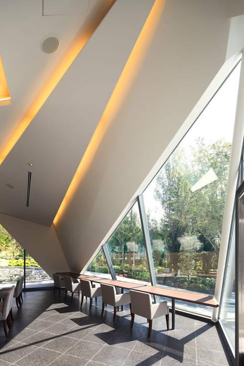 イートインスペース2: 株式会社 安井秀夫アトリエが手掛けた美術館・博物館です。