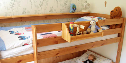 Bed Hanging Toys Shelf: modern Bedroom by Woodquail