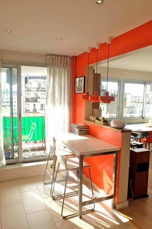 Appartement contemporain - 75010: Salon de style de style Moderne par Espaces à Rêver