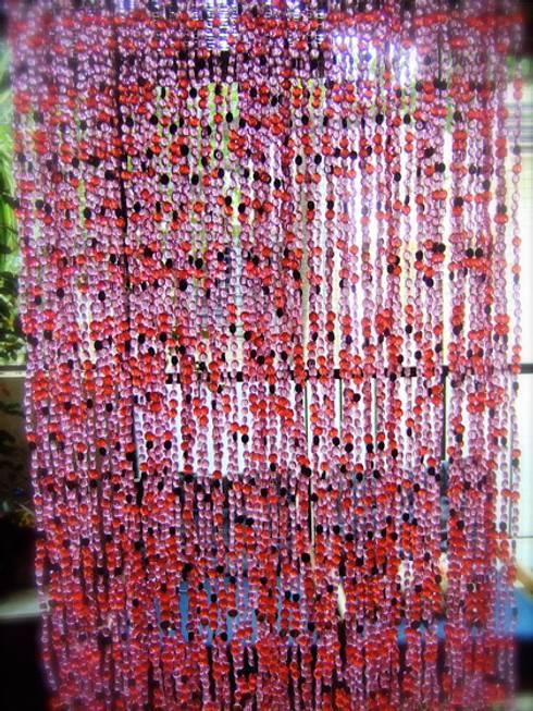غرفة المعيشة تنفيذ Memories of a Butterfly: bead curtains/screens/installations/Hanging Sculptures