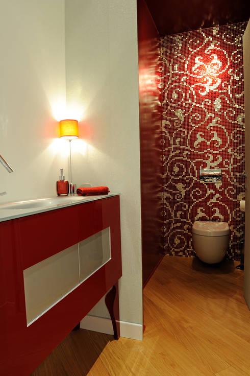 Bathroom by Atelièr di progettazione