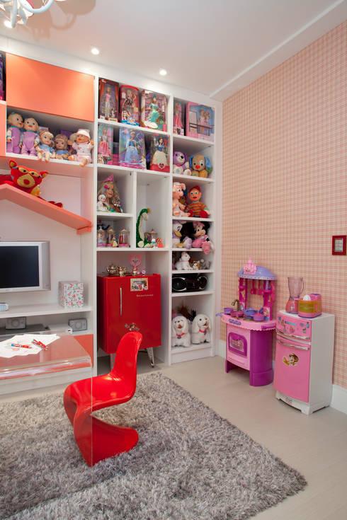 Brinquedoteca - Girl Room: Quarto infantil  por Orlane Santos Arquitetura